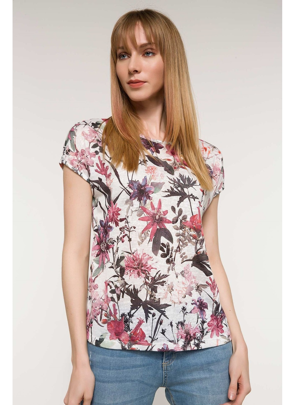 b04f702007001 DeFacto Floral Desenli Kısa Kollu T-shirt